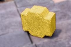 Adoquin-cruz-amarillo-22x24x10