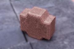 Adoquin-cruz-rosado-22x24x10